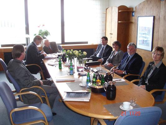 Die Nachfolgeregelung in 2010 mit Notar Dr.Lenze und GF Kühling