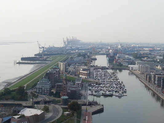 Der neue Hafen mit der Lloyd-Marina von Im-Jaich