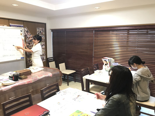 栄 矢場町 アロマ リンパ セラピスト スクール ローズミー 養成教室 マッサージ 名古屋 資格 初心者 開業 副業