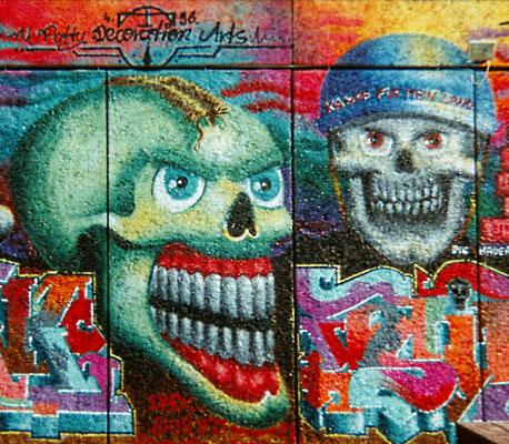 PAT23 - Graffiti Character Kriegsköpfe - Leipzig 1996