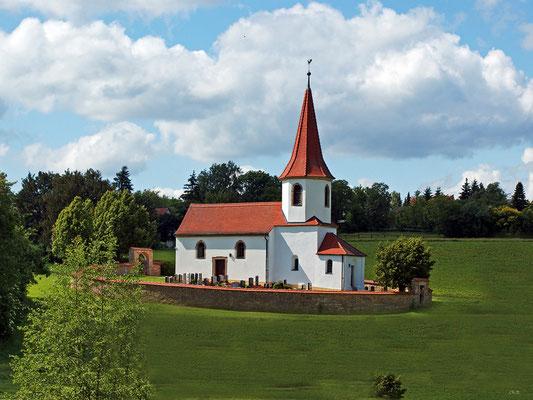 Kirchlein im Wiesengrund