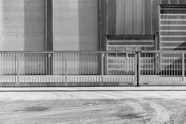 Detail der Fassade einer Industriehalle