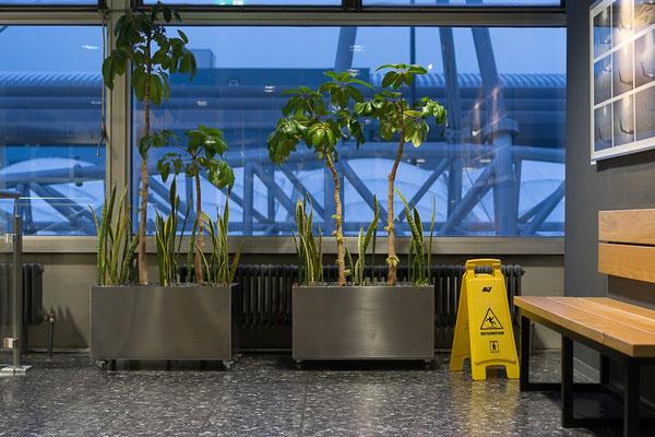 Flughafen Salzburg: Warten zwischen den Orten