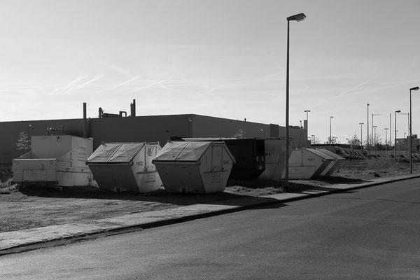 Container im Industriegebiet