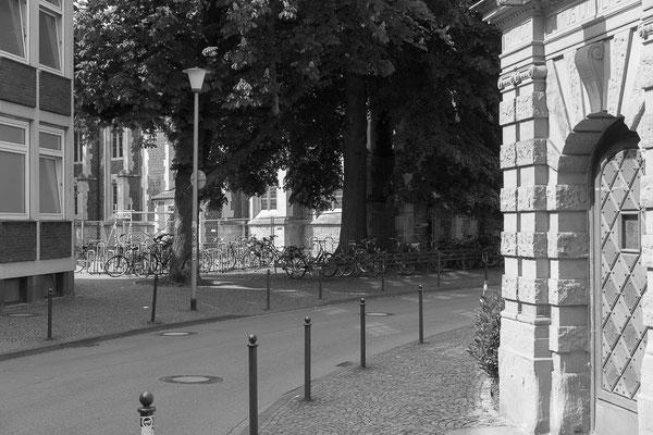 Woche 19: Johannisstraße vor dem ehemaligen Germanischen Institut