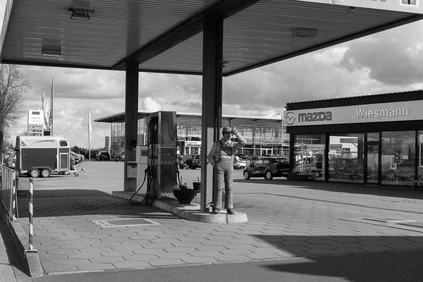 Tankstelle von Mazda Wiesmann im Hansa-BusinessPark