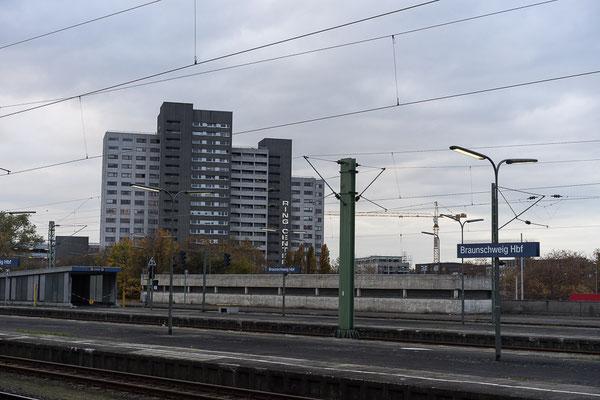 Braunschweig: Beim Wiederaufbau wurde der Hauptbahnhof an den Stadtrand verlegt.