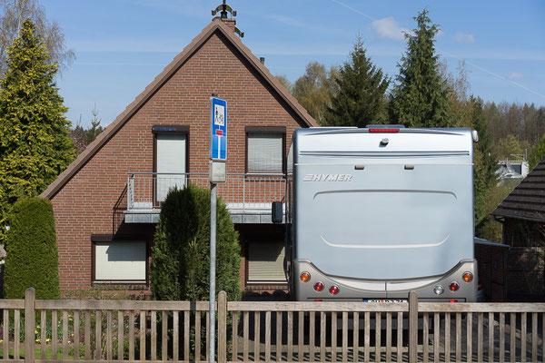 Wohnhaus und Wohnmobil am Stadtrand von Eutin (Holsteinische Schweiz), Mittelzentrum in Schleswig-Holstein