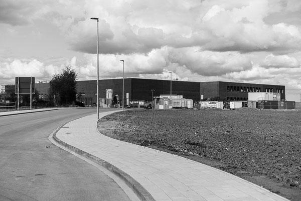 Blick auf entstehende Verwaltungsbauten am Hansa-BusinessPark