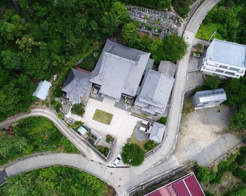 真観寺の空撮写真