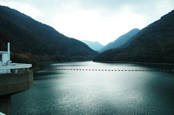 鮎屋川ダム バス釣りで人気