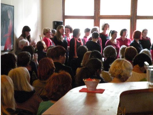 *femmes vocales* sorgten für den musikalischen Rahmen.