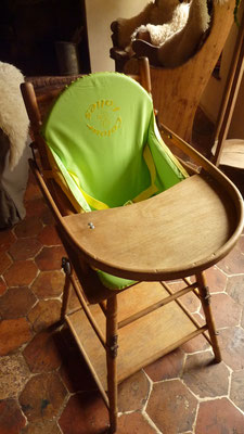 The baby chair for welcome cuddly baby.