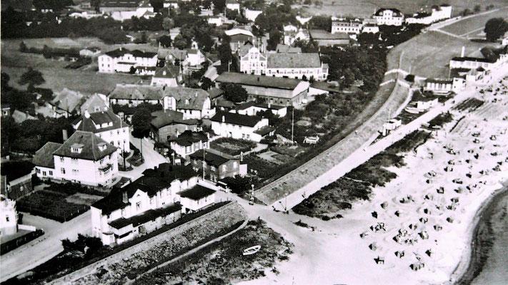 Deichdurchfahrt ertwa 1934