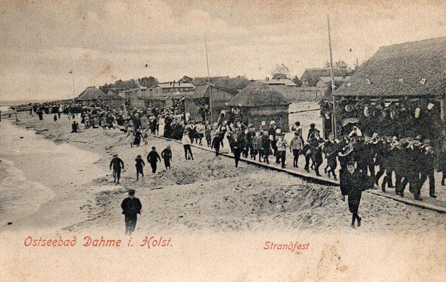 Strandfest 1908 mit Umzug auf der Wandelbahn aus Brettern.