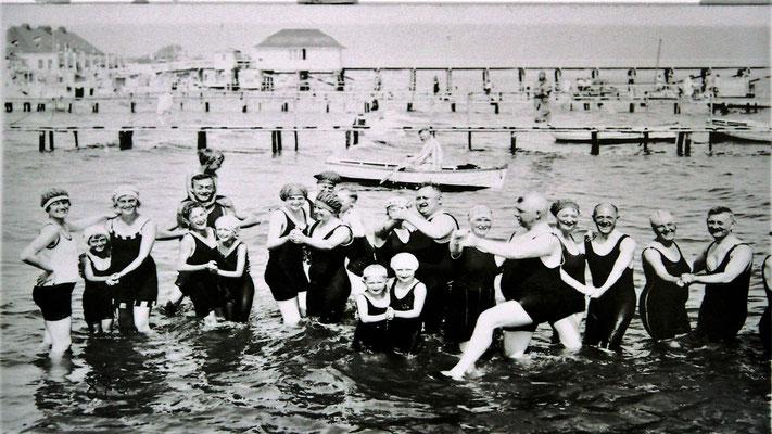 Badeleben um 1920
