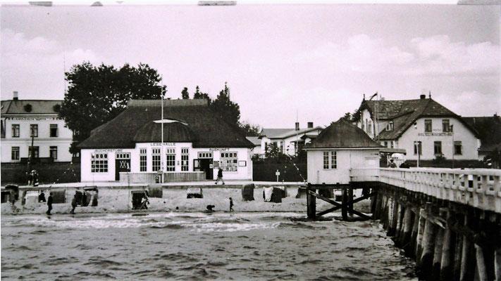 Brücke und Lesehalle von 1924