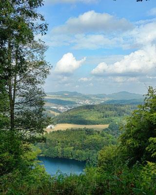 Gemündener Maar - Aussicht vom Mäuseberg