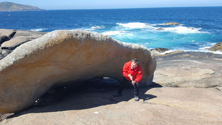 Wer 12x unter dem Stein hindurch schlupft, bekommt keine Nierensteine
