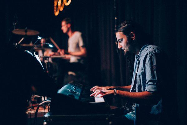 Mit Ecetera am Klavier Live im Ufo Bruneck