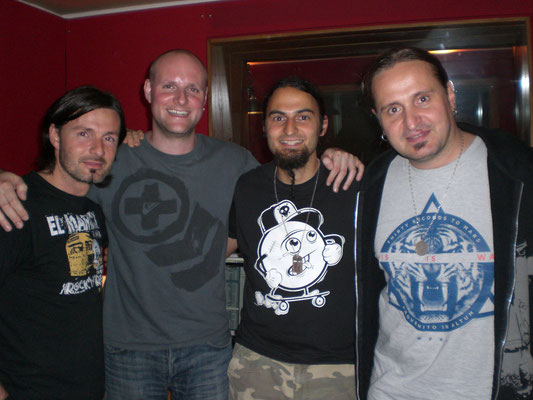 Studio Dream Team at work: Alex, Henning Verlage, Ich, Warthy
