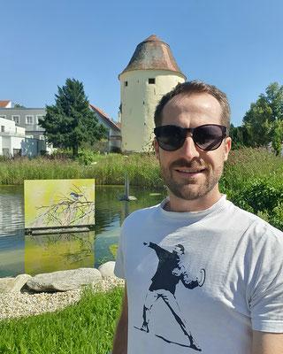 Schwimmende Bilder im Hartberger Stadtteich