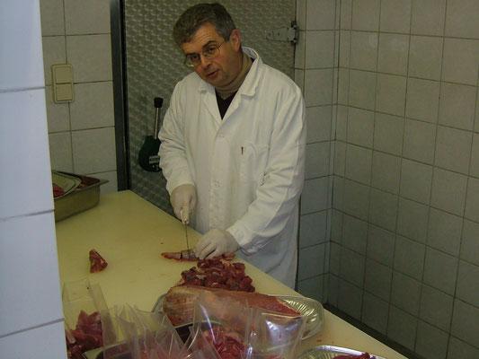 Frischfleisch in kleinen haushaltsgerechten Portionen ist die Stärke von Fam. Truskaller in Malta