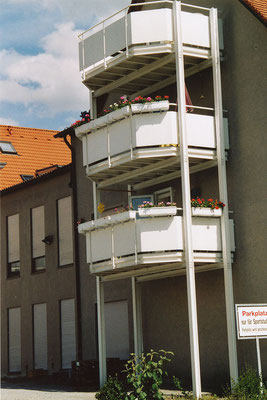 Freistehender Balkon 3 Ebenen