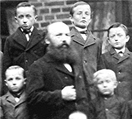 Lehrer Queckenstedt aus Hohenhenningen Vorsitzender ab 1905