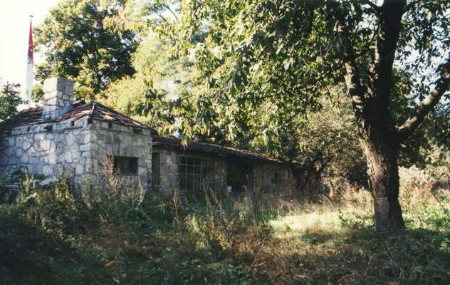Die einstige Orangerie wurde während des Heimbetriebs als Kegelbahn genutzt, mußte jedoch in den achtziger Jahren gesperrt werden.