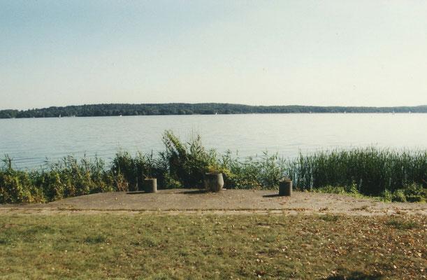 Von der kleinen Seeterrasse aus wurden einst Schwäne gefüttert. Und Barsche geangelt.