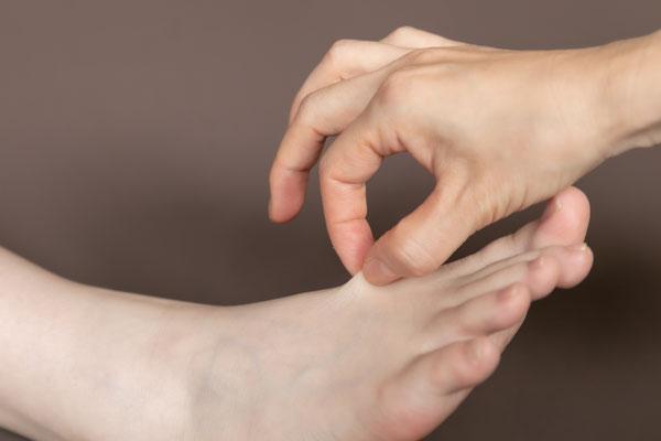 整膚 足の甲