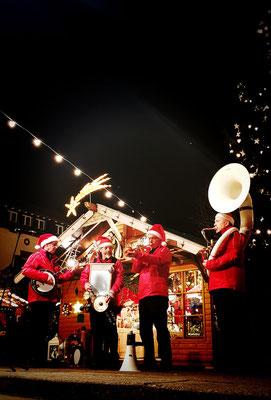 The Christmas Heroes, Musik für Weihnachtsmarkt