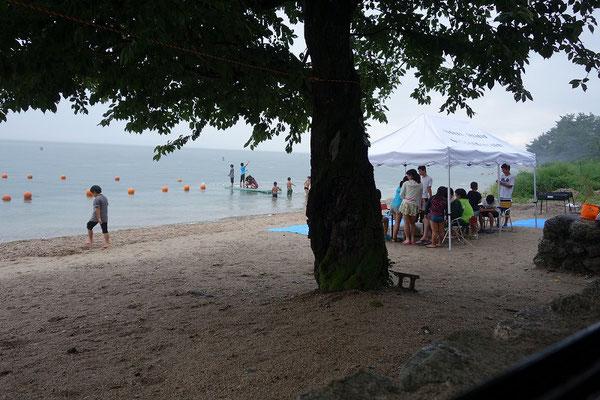 2日目の早朝は釣り。びわ湖付近のみ豪雨。