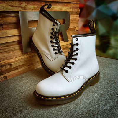 152 10 00 000 - Dr. Martens 1460 Smooth - €179,00