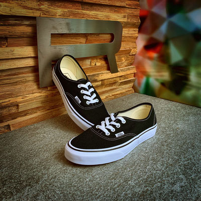801 00 00 007 - Vans Authentic - €65,00