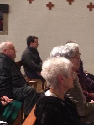 L'assemblé attentive…