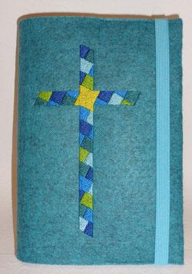 Stickmotiv Mosaik-Kreuz in türkis mit Gummi türkis auf Filz in lago-meliert
