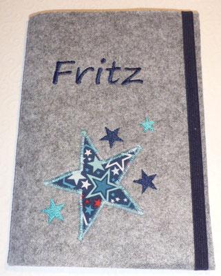 """U-Heft """"Fritz"""", gestickte Sterne mit Applikation, Filz hellgrau-meliert"""