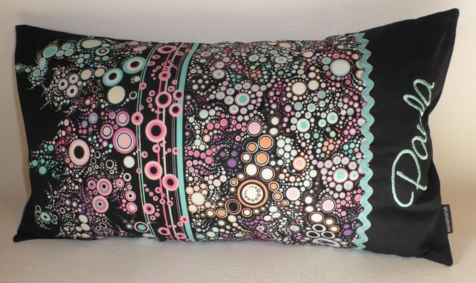 Kissen mit Hotelverschluß in 30 x 50 cm, Stoff solange Vorrat reicht;  diesen Stoff gibt es auch in vielen anderen schönen Farbkombis, Preis wie abgebildet mit Inlett 23,50€