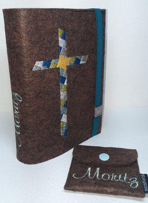 Stickmotiv Mosaikkreuz in petrol-mint-senf-silber auf Filz in braun-meliert