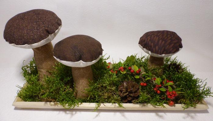 ... alle Pilze kann man einzeln oder komplett als Deko haben - bei Versand jedoch nur die einzelnen Pilze.