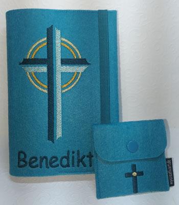 Stickmotiv Kreuz in petrol-mint auf Filz in lago mit Rosenkranztäschchen Kreuz (Stickdatei kl. Kreuz von Tanja Resing- himbeerdesign)