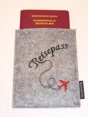 Reisepaßhülle (Stickdatei von Rock-Queen)