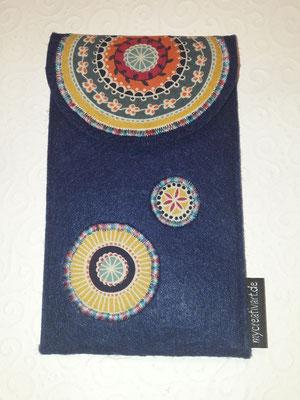 Hülle mit Überschlag + Klett mit applizierten Kreisen auf Filz in nachtblau