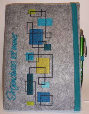Hülle für den Buchkalender mit Stiftehalter