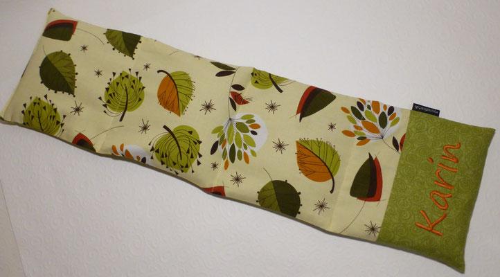 Langes Nackenkissen mit gesticktem Schriftzug, Stoff Blätter grün