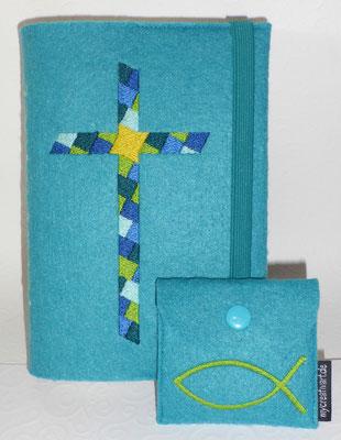 Stickmotiv Mosaikkreuz in petrol-blau-grün mit Gummi petrol auf Filz in lago mit farblich passendem Rosenkranztäschschen Fisch (Stickdatei von Taera-DIY)