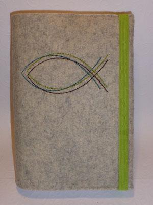 Stickmotiv Dreilagiger Fisch in petrol-braun-grün auf Filz muschel-meliert mit Gummi in apfelgrün auf Filz in muschel-meliert (Stickdatei: Rock-Queen)