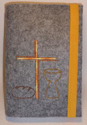Stickmotiv Brot, Kreuz, Kelch in gelb-orange auf Filz in hellgrau-meliert (Stickdatei: Rock-Queen)